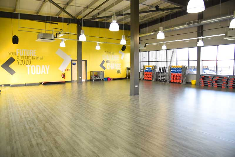 Fitness classes from glo gym oldham gym spin fitness for Gimnasio fitness studio